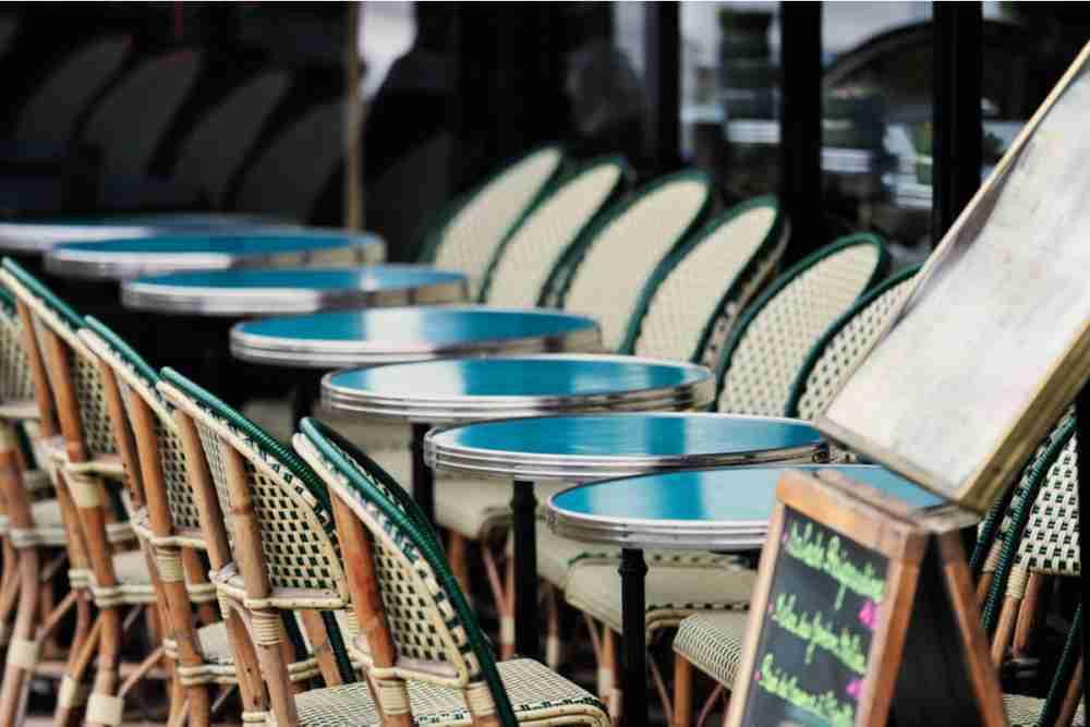 Best Restaurants and Cafes on Champs-Élysées Avenue in Paris