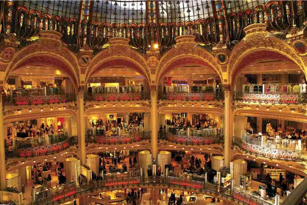 Die Galerie Lafayette in Paris in France