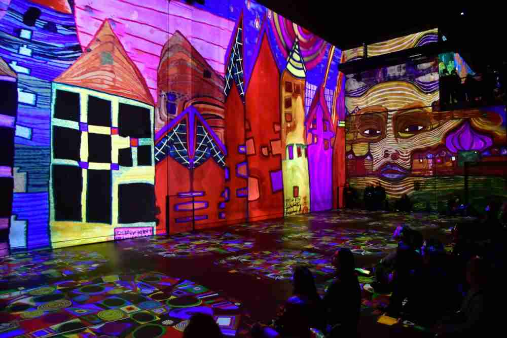How to get to Atelier des Lumières in Paris (Editorial)