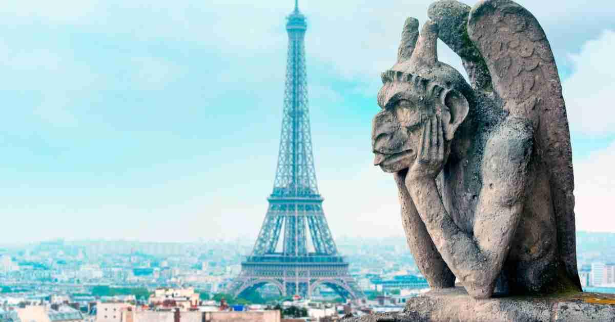 Paris Eiffel from Notre Dame