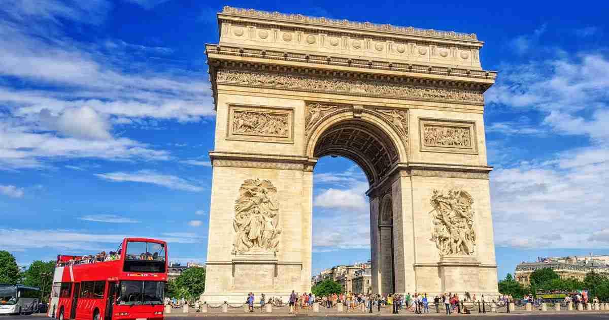 hop on hop off bus in Paris in France